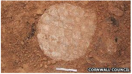 The Neolithic 'find' – the squared 'board' can be easily picked out